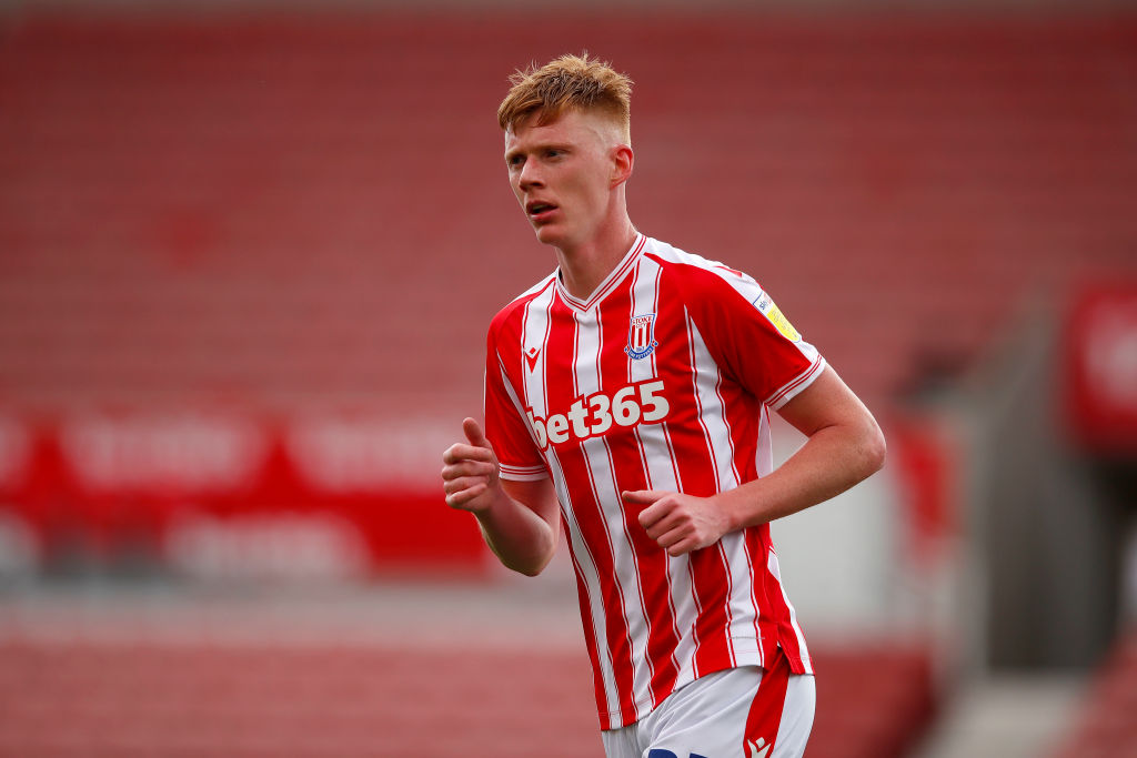 Sam Clucas playing for Stoke City.